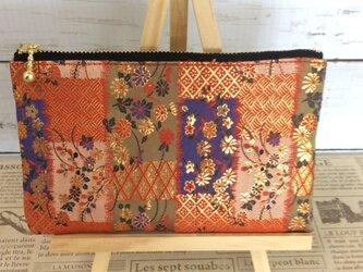 京都・西陣織・金襴の生地で仕立てた和柄のポーチの画像