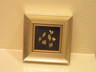 ❇刺繍入りインテリア額❇ 壁かけミニサイズの画像