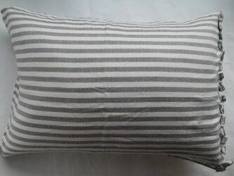 グレー ストライプ リボン付きかわいい枕カバーの画像