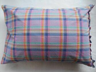 ピンクチェックリボン付きかわいい枕カバーの画像