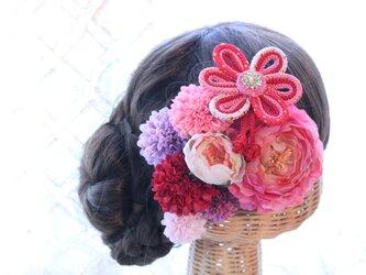ピンク系和装髪飾り 花の組紐飾り 成人式 卒業式 結婚式の画像