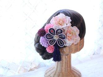 ピンクパープル系和装髪飾り タッセル付き花の組紐飾り 成人式 卒業式 結婚式の画像