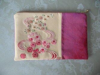 日本刺繍のポーチ~小川~の画像