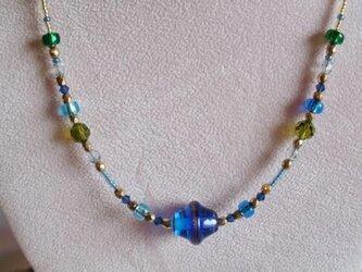 チェコランプビーズのネックレス(青)の画像