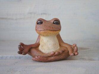 【陶器の瞑想するカエル】aの画像