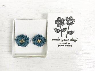 flower ピアス C  - セルリアンブルー × スモーキーゴールドの画像
