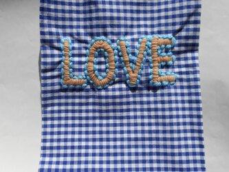ギンガムチェックティッシュケース LOVE刺繍入の画像