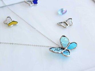 ステンドグラスのネックレス【青い蝶】の画像