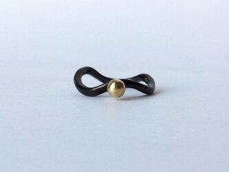Black silver +k18 ball  grain ringの画像