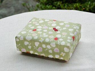 和いちごの小箱の画像