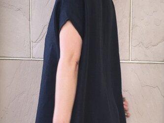 リネン スクエアトップス 紺の画像