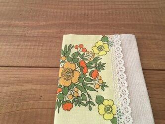 ヴィンテージお花柄とレースのブックカバー 文庫本サイズの画像