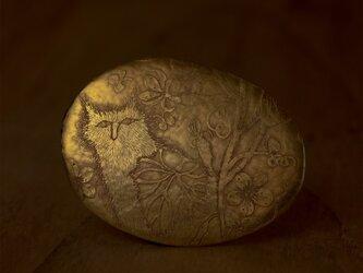 ブローチ「畑の猫」の画像