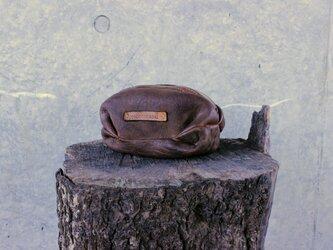 ヌメシープスキン 草木染めレザーポーチの画像