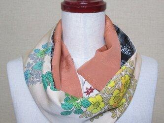 着物リメイク 上質な7種類の正絹着物を組み合わせて作ったスヌードの画像