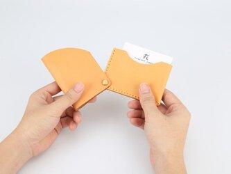 【切線派】回轉本革名刺入れ カードケース 名刺ケース 総手縫い 浅い黄色の画像
