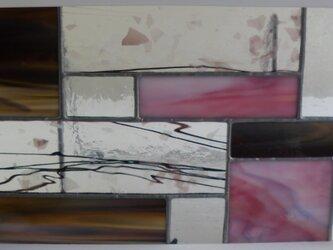 ステンドグラスパネル (淡いピンク系)の画像