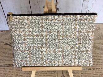 リバティスリーピングローズの生地を使用したポーチ 20cmファスナー     Lサイズの画像
