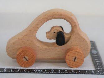 イヌの自動車(N52)の画像