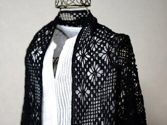 リネンレース糸の三角ストール(ブラック)の画像