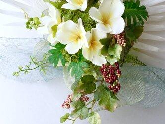 """Flower basket """" Plumeria bouquet """"の画像"""