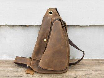 【受注製作】至極の100%牛革レザー製 ボディーバッグ 収納ポケット豊富 チャック付 茶褐色 CC3090の画像