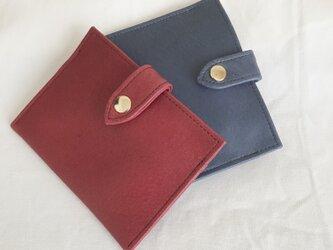 2番目のお財布 渋い赤色の画像