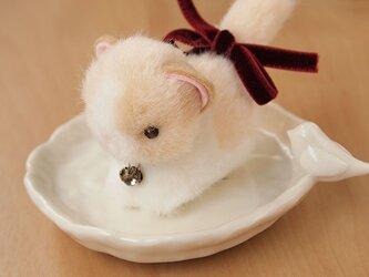 ちいさなぬいぐるみ 猫*ベージュ×白の画像