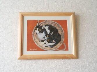 猫イラスト「かごの中のウメとハッチ」(原画)の画像