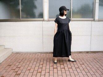 おとな可愛いコットンワンピース:サマーブラックの画像
