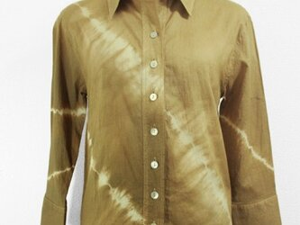 長袖コットンシャツ(斜め絞り染・金茶色濃淡)の画像