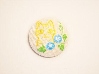 くるみボタンの刺繍ブローチ(あさがお)の画像