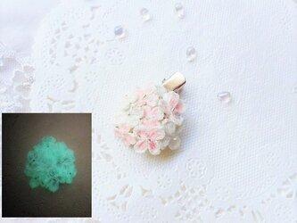 夜光☆紫陽花のブローチ☆髪飾り(ピンク)※レース編みの画像