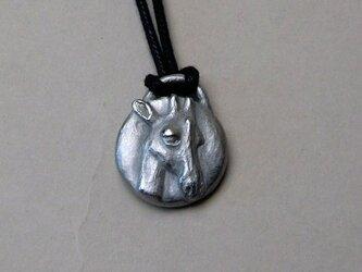 キリンのペンダント(丸)の画像