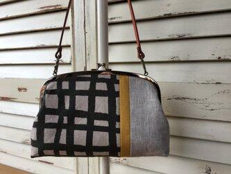 革持ち手付き リネン 帆布 がま口バッグの画像
