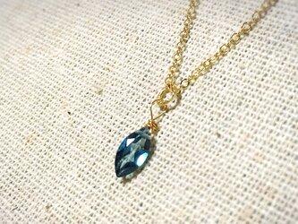 宝石質ロンドンブルートパーズの14kgfピアスの画像