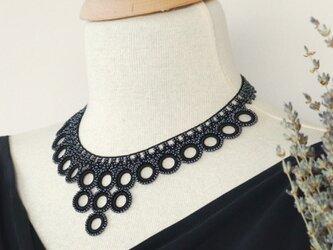 ビーズのネックレス「ビブ・リング」オニキス・ブラックの画像