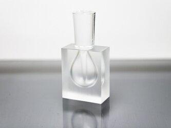 ガラスの香水瓶。部屋にあったら素敵なもの。の画像