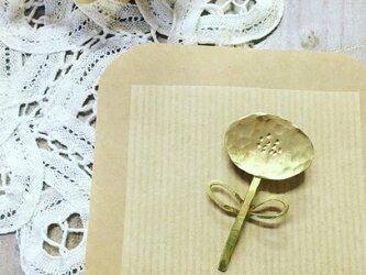 真鍮ブローチ お花 (楕円) ブローチの画像
