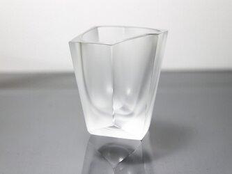 ファセットカットのショットグラスの画像
