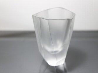 ファセットカットのグラスの画像