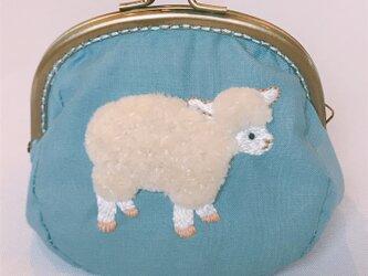 立体刺繍  モコモコ羊がま口の画像