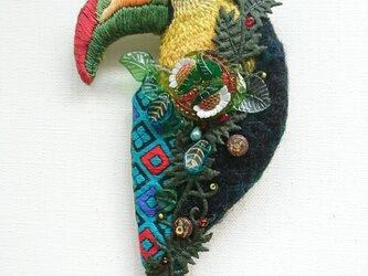 IRODORI AZ brooch(サンショクキムネオオハシ)の画像