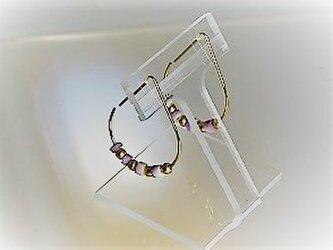 パープルシェルと艶消し銀ボールのフープピアス・しずく型s・金の画像