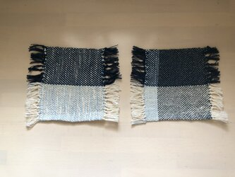 手織りのコースター 2枚セットの画像