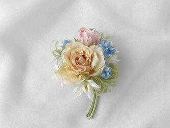 アイス色の薔薇の花束 * 綿ローン製 * コサージュの画像