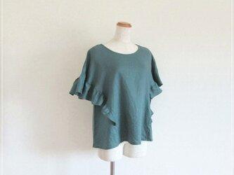 green* リネンのフリルドルマンブラウスの画像