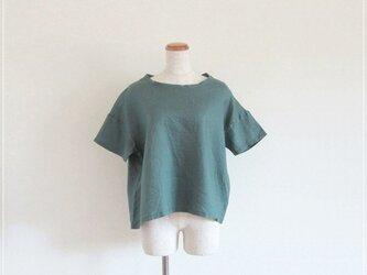 green* リネンのゆったりTシャツの画像