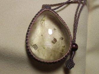 ブラジル産ドロマイト(カルサイト)インルチルクォーツ ペンダントの画像