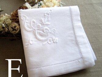 Aging手刺繍イニシャルハンカチ ホワイトEの画像